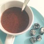 Gezonde chocolademelk met amandelmelk