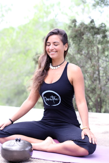 yoga ibiza, laura